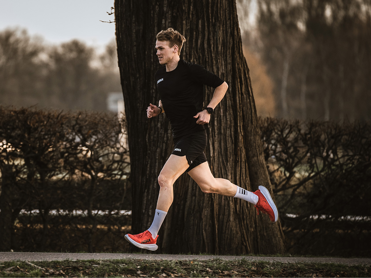Ruben Zepuntke running in the CARBON X 2