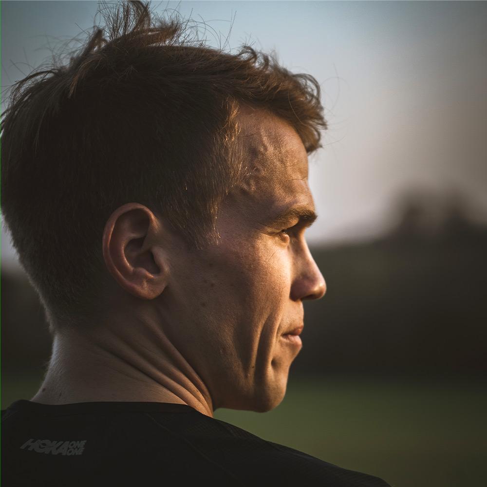 Ruben Zepuntke looking in to the horizon